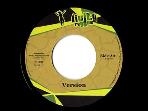 TREVOR JUNIOR - I and i time + version (1984 Livity records)