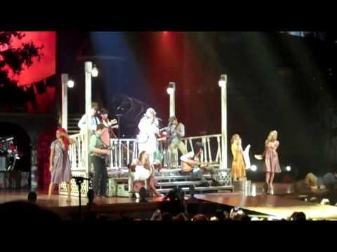Taylor Swift- Talking about being sick in Atlanta and Mean (Atlanta, GA)