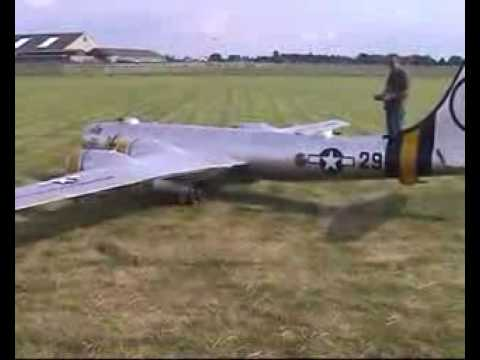 worlds largest model rc plane take off and landing