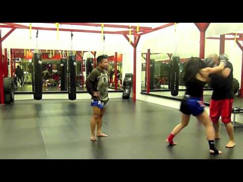 Muay Thai Clinching Techniques (dos and don'ts) Image 1