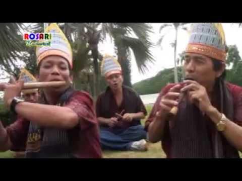 Bertua Sitanggang - Embas Ni Simanindo Cipt NN