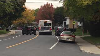 Second in row RTL bus does not stop at the bus stop in Brossard on Oct 15, 2018 at 8:17am
