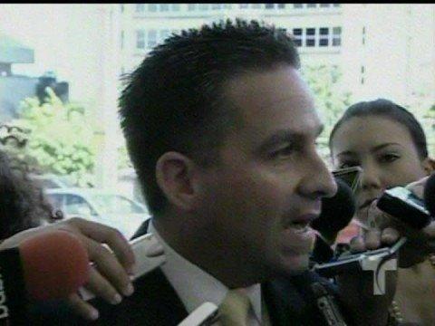 Arrestado el Senador De Castro Font por 32 cargos federales