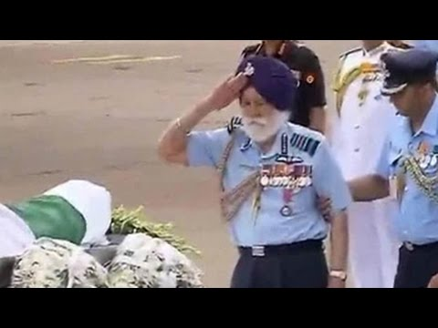 Marshal of the Air Force Arjan Singh, 96, pays tribute to President Kalam