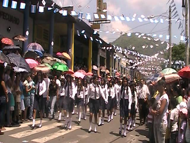 Desfile 15 de septiembre 2011-San Vicente