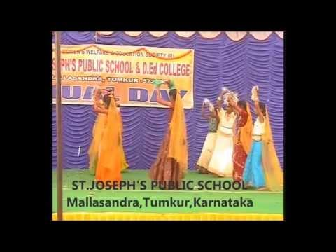 Rangeelo Maro Dholna - 7th Std Students video
