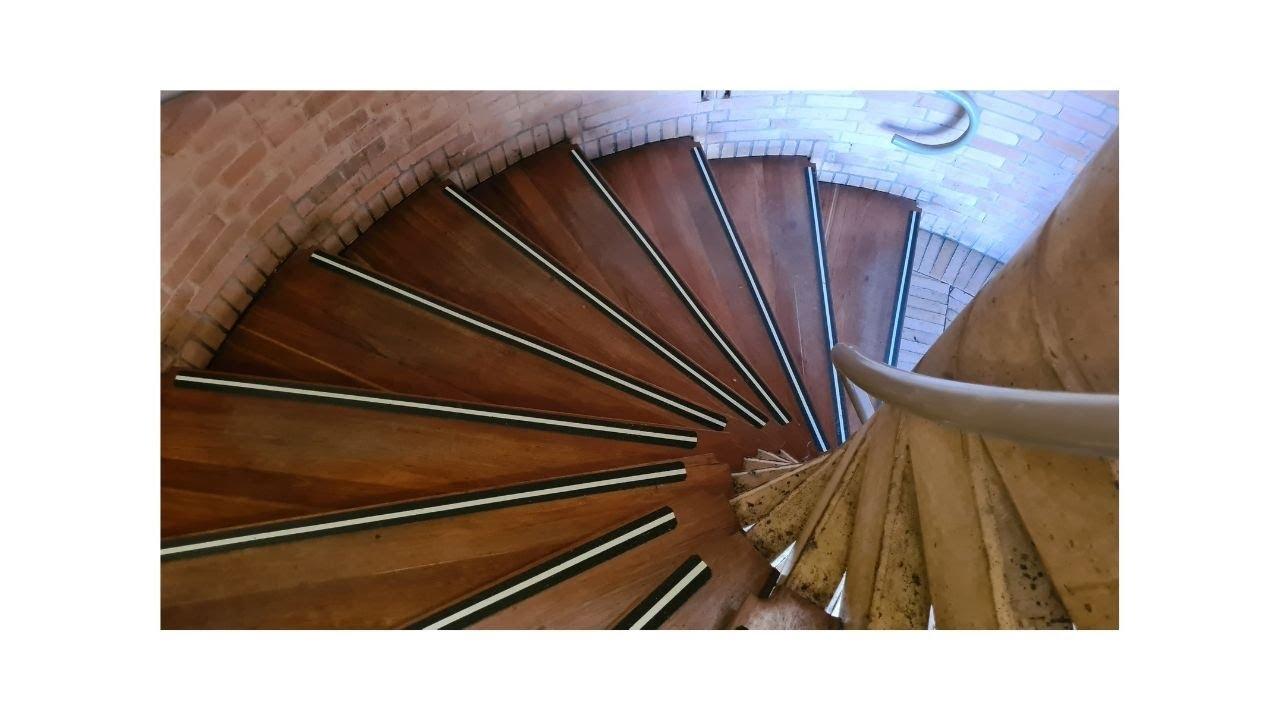 Dise o de una escalera caracol youtube Como hacer una escalera caracol
