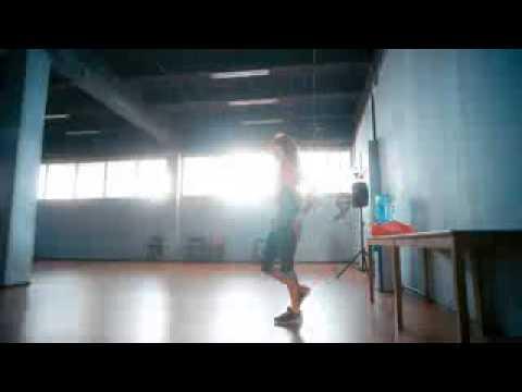 Как танцует Нюша под песню Леди N