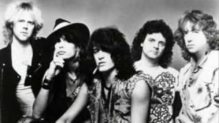 Watch Aerosmith Mia video