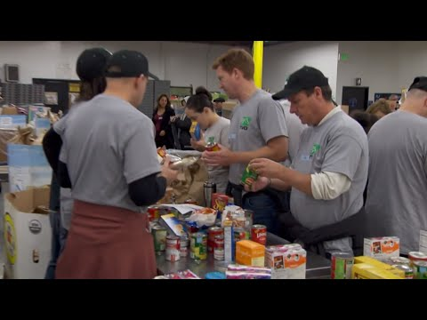 Volunteering at the Los Angeles Regional Food Bank