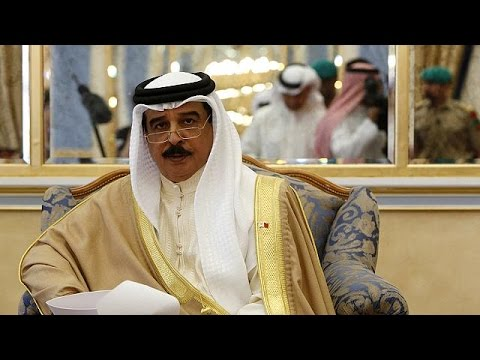 Bahrain's king holidays at Sharm el-Sheikh and tips Egypt for tourism