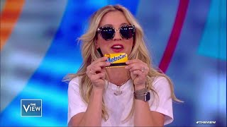 "'The View"" Gives Kaley Cuoco a NYC Starter Pack! 