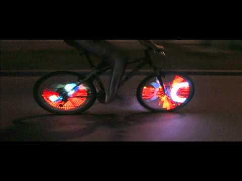 Eyecatcher ! - videos displayed on bike wheels