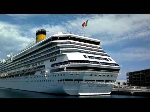 Costa Concordia - Il Porto di Savona - Italia (HD)