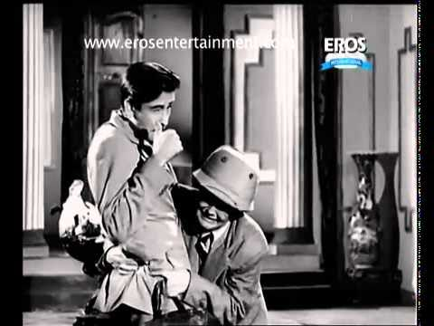 Raj Kapoor Flirts With Nargis - Andaz.mp4 video