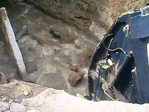 Así se observa el lugar donde cayó el vehículo de InterAseo 15 horas después