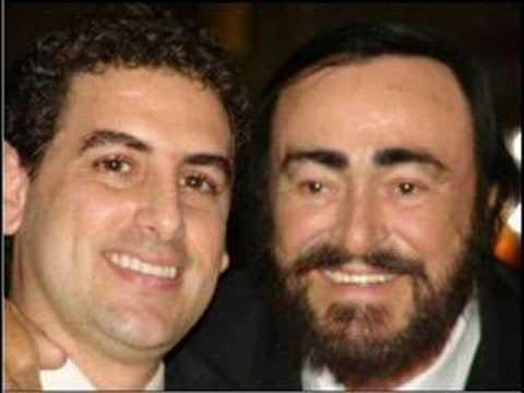Juan Diego Florez sings to Pavarotti