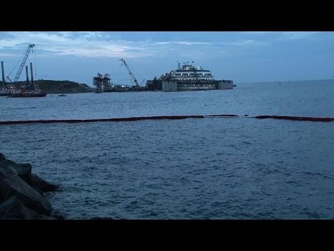 Operation starts to refloat ill-fated Costa Concordia