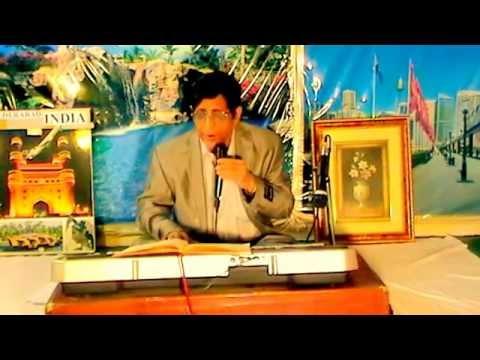 Chahat Mein Kiya Dunya Dari Ishq Mein Kaisi Majboori - Khader Khan video