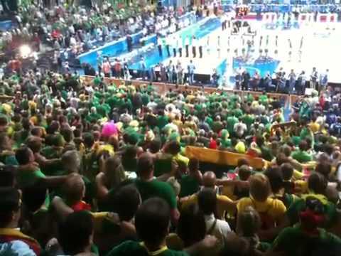 Siemens arenos sirgaliai gieda Lietuvos himną
