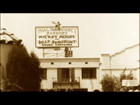 Walt Disney - History, Family Footage, Pinocchio, Fantasia, Studio