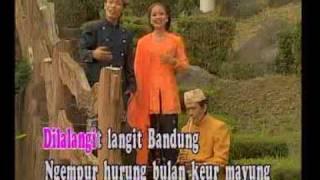 Download Lagu Lagu sunda kecapi suling DI LANGIT BANDUNG Gratis STAFABAND
