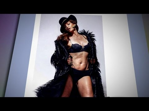 Un-Retouched Cindy Crawford Lingerie Photo Goes Viral