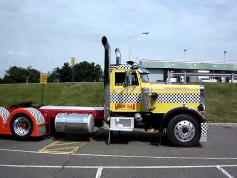 Old peterbilt arrives at antique truck show 10 seconds youtube - Pictures of old peterbilt trucks ...