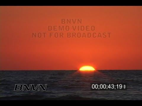 10/29/2006 Sarasota, FL Siesta Beach Sunset Video