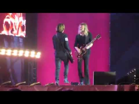 Roxette - She's Got Nothing On (But The Radio) ending on the catwalk - Warsaw 19/09/2015
