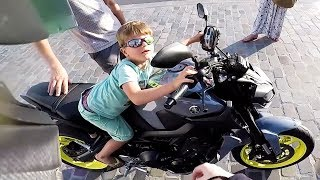 Random Acts of Kindness 2017 - Bikers Helping [Ep.#34]