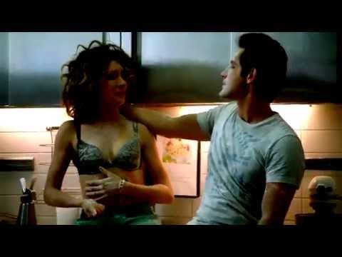 Секс видео с викой из кухни трахает молодую