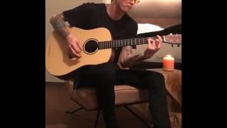 Download Lagu Machine Gun Kelly Bad things (guitar version) Gratis STAFABAND