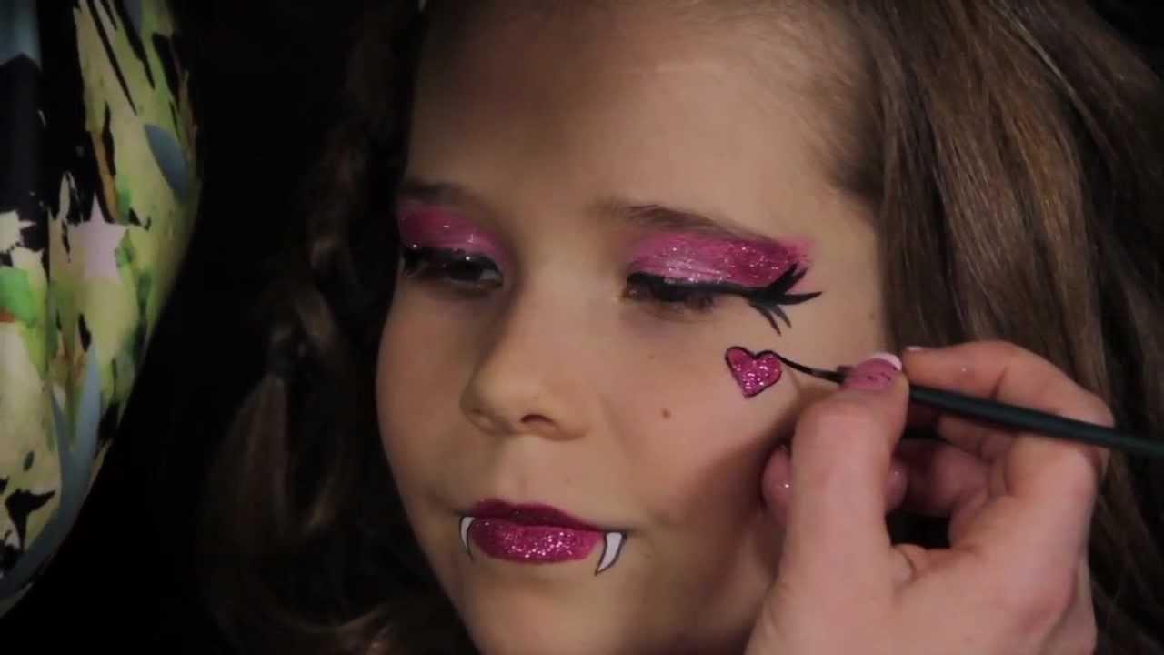 Draculora Face Painting