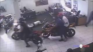 Assalto a concessionaria de motocicletas