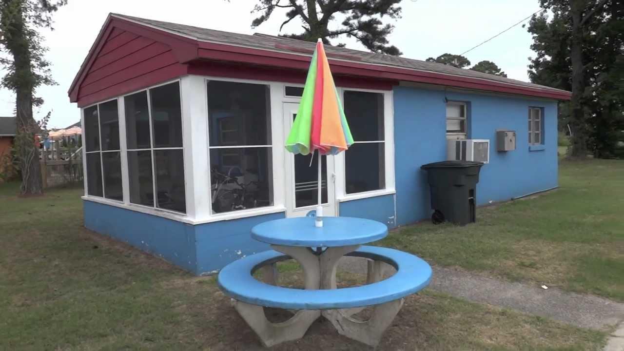 Hotel tour chincoteague island vacation cottages rentals for Cabins near assateague island