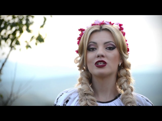 Bianca Munteanu si Radu Poenar - Fluiera badea pe vale