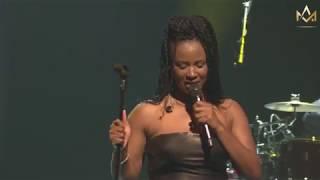 Charlotte Dipanda - Dumea Feat Salle John - Live au Grand Rex Paris