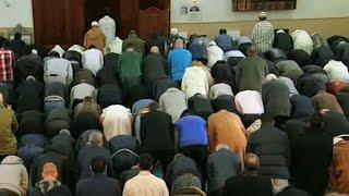 Dutch Muslims voice fears as anti-Islam candidate leads polls