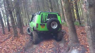 discovery off road at tong