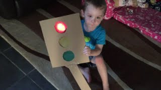 STOP, STOP... GO!! Twins home made traffic light game