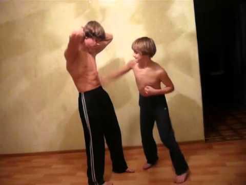 media muscular stomach punching girls