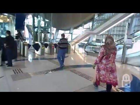 Dubai Metro   Tour of Station Nakheel Harbour and Towers