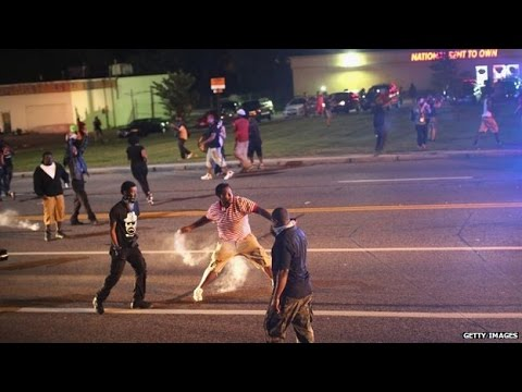Ferguson Clashes: Chaos Erupts Again in Ferguson, US Police Fire Tear Gas