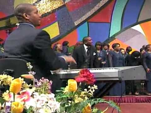 Cathedral Praise Break - West Angeles COGIC