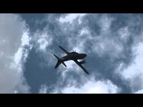 C-27 J Spartan Décollage et Démo Full HD  Meeting aérien du Bourget LBG Paris Airshow LFTA 2011