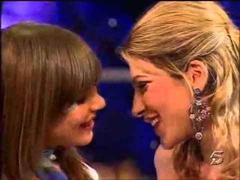 Beso lesbisco de Celia Blanco