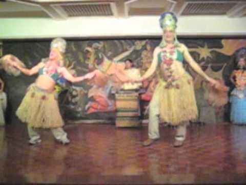 Dr Kataria Dancing in a Filipino Style ina Bar