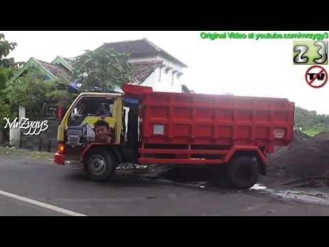 Dump Truck Mitsubishi Colt Diesel Stuck