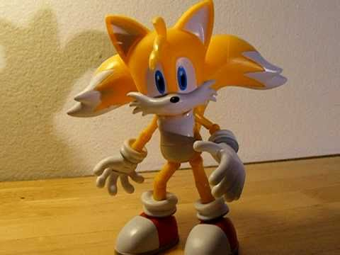 Super Knuckles And Super Tails Super Poser Tails by Jazwares